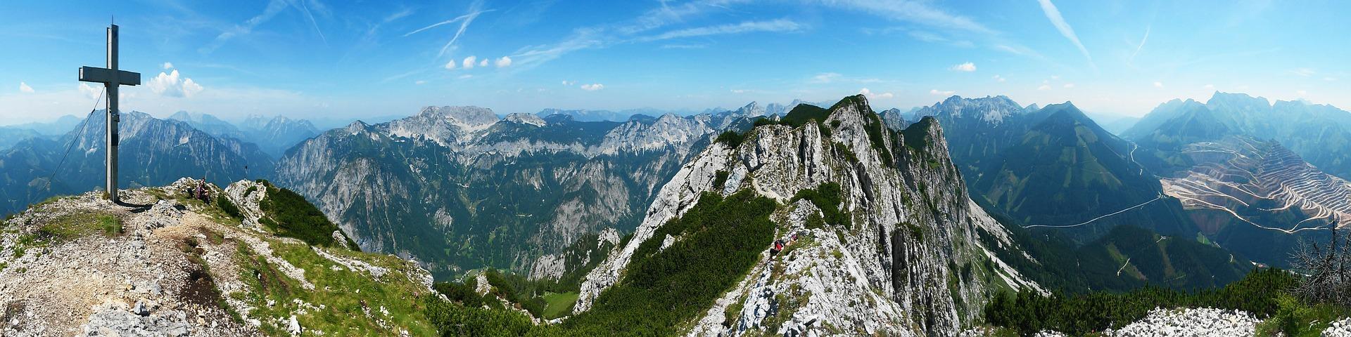 mountains-533494_1920